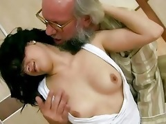 older man bonks his youthful girlfriend