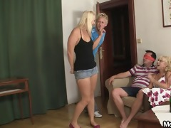 her bf is away and she is fuck his family