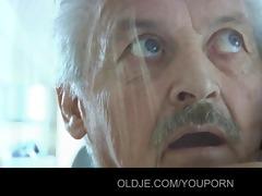 grandpa gustavo screwed by his inexperienced maid